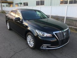 Used Toyota CROWN HYBRID