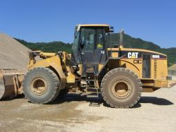 Used CAT Frontal Loader - FW: